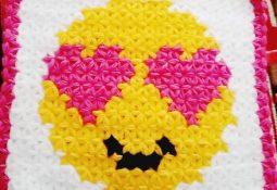 Kalp Gözlü Emoji Lif Modeli