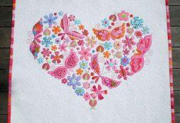 Kalpli Kelebekli Kanaviçe Kırlentler
