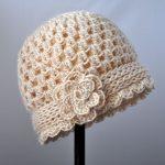 Çiçekli Krem Rengi Şapka Modeli