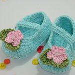 çiçek motifli kız bebek patikleri