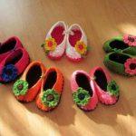 örgü çiçek motifli bebek patikleri