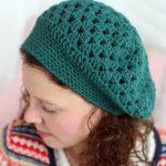 Koyu Yeşil Örgü Kadın Şapka