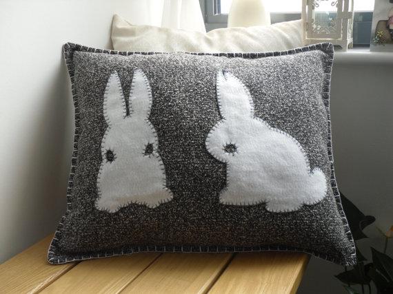 tavşanlı dekoratif kırlent modeli